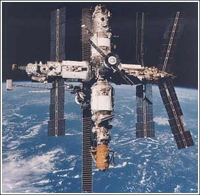 1986, la Mir se pone en órbita