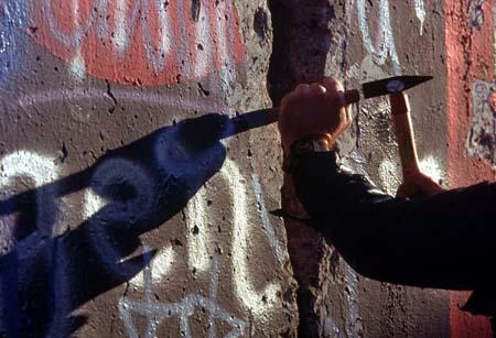 Condorman en uno de los momentos de la película