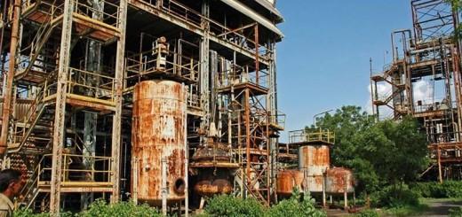 Antiguas instalaciones de la planta química en Bhopal